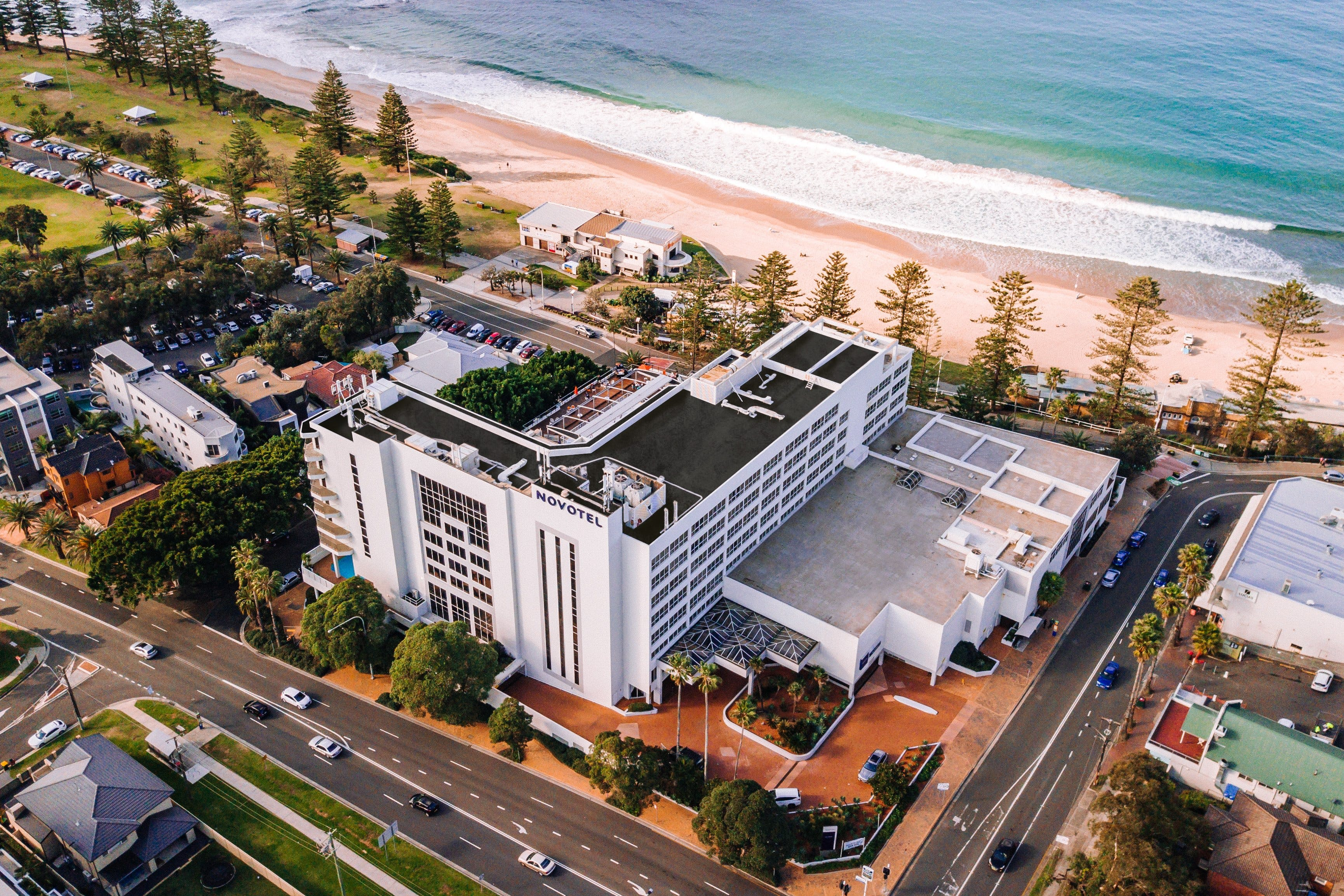 New Years Eve Party - Novotel Wollongong Northbeach - Pubs Sydney