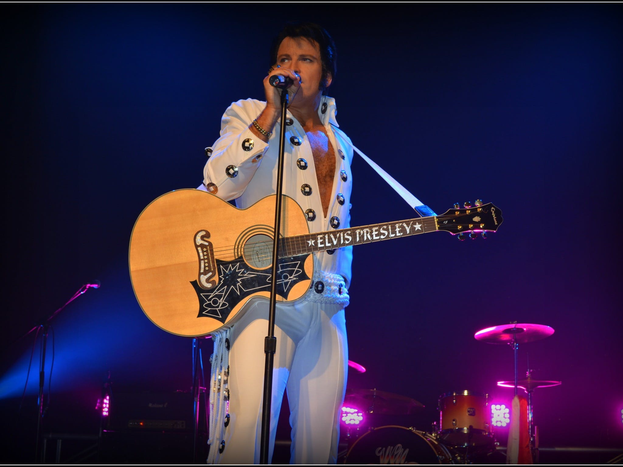Elvis Forever - Damian Mullin 'Up Close and Personal' - Pubs Sydney
