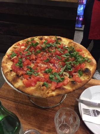 Fratelli's Wood Fired Pizza - Pubs Sydney